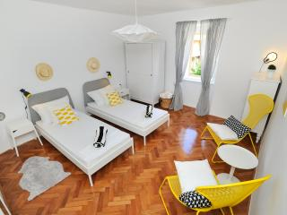 Stylish & Airy 2 Bedroom Apt. in Zadar Old Town