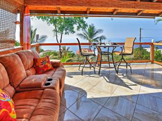 Extraordinary 3BR Captain Cook House w/Wifi, Private Lanai & Panoramic Ocean