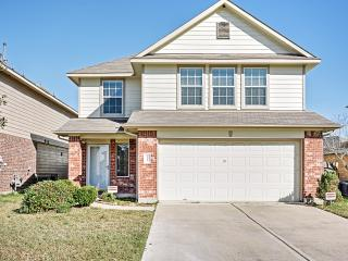 Spacious 4BR Houston Townhome Unbeatable Location!