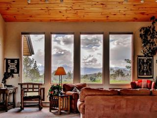 'Casa de Mesa' Private 3BR Durango Home on 9 Acres w/Wifi & Phenomenal 360-Degree Views - Close Proximity to Durango & Purgatory, Outdoor Recreation, Mesa Verde & Many Other Attractions!
