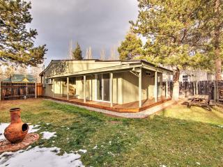 Cozy 2BR South Lake Tahoe Home w/Gorgeous Views
