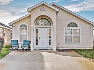 Great Low Introductory Rates! Glorious 3BR Panama City Beach House w/Wifi & Pool Access - Only 1 Mile from the Beach, 1 ½ Miles from Pier Park & Water Park Within Easy Walking Distance!