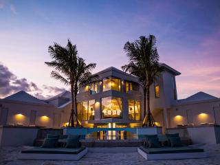 Pearls of Long Bay Estate, Sleeps 54, Providenciales