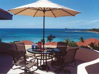 Comfort and style combine to bring this excellent floor plan to life, right above Mahoe Beach. VG ADA, Virgin Gorda