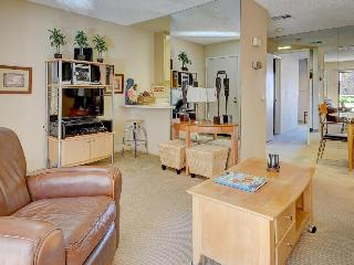 Shared pool, hot tubs, & tennis await from this condo, Palm Springs