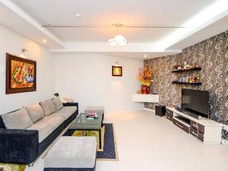 Superior 2BR Apartment Center District 1 (13B5), Ho Chi Minh City