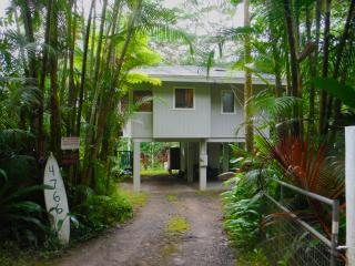 Close to beach, 3 miles from famous Kalalua Trail, Hanalei