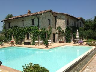 Villa Capanne - Luxury Umbrian Villa Sleeping 12, Perugia