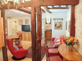 CHARMING 2BR WITH AC-BLVD ST GERMAIN & ST SULPICE, Paris