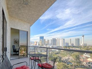 ***LAS VEGAS PENTHOUSE WITH BREATHTAKING VIEWS*** (Available Monthly)