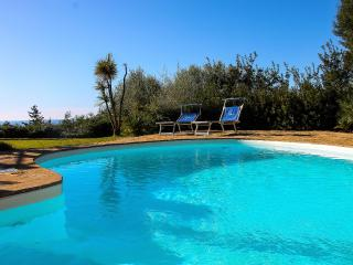 Villa Smeralda - Private pool and sea view, Torre delle Stelle