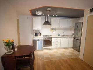 Modern, Quiet, Central Flat, Sleeps 4
