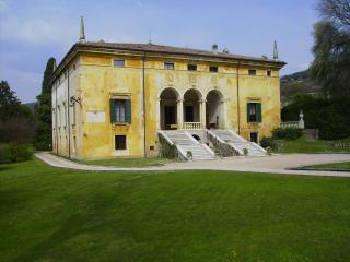 VILLA CA VENDRI - TOP LUXURY 1500's - POOL & PARK, Verona