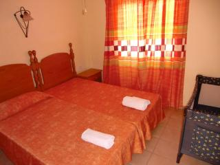 2 bedrooms,first line ocean,center, Costa Adeje, Playa de Fanabe