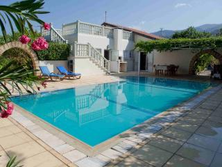 Stunning 3 Bedroom villa - Close to the sea