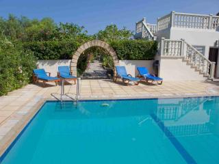 Stunning 3 Bedroom villa - Close to the sea
