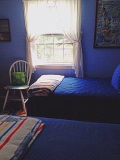 Main Floor Bedroom With 2 Twins