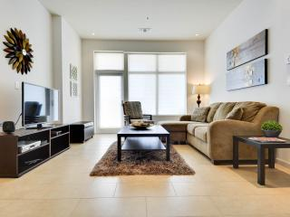 NEW LUXURY CONDO, 2 BDR; 6 SLEEP  CANTERA , AT RIM