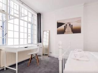 Trendy Flat in the Heart of London, Londres