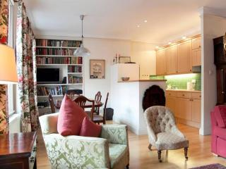 Cosy Flat next to Oxford Street