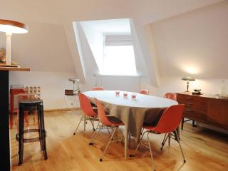 Amazing VintageSunny Penthouse2bdr+2 Bath+Terrace, Uccle