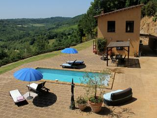 Country House, Pool, Garden, Breathtaking Views, Civita di Bagnoregio