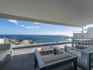 Luxury Seafront 4 Bedroom Villa in Roca Lisa!, Roca Llisa