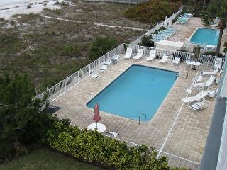 It's time to book a August vacation in this penthouse at Sea Isles i!