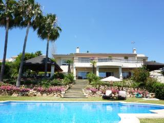 Magnificent 6 bedroom villa in a quiet location, Elviria
