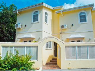 Beautiful Townhouse Style Villa, Holetown