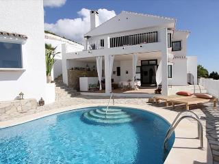 Beautiful holiday home with private pool and magnificent sea views, Benalmadena