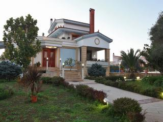 Villa with pool, Perivolia