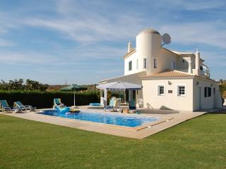 Luxury 4 bedroom villa in Albufeira, Algarve, Ferreiras