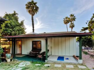 Freshly Renovated 1BR Encinitas Cottage w/Wifi, Dog Friendly Private Yard & Ocean Views - Close to the Beach & Easy Access to San Diego Area Attractions!