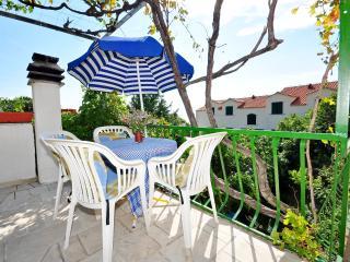 Apartments Sanja - 38721-A1, Bol
