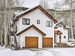 New Listing! Pristine 4BR Vail Chalet w/Wifi, Multiple Living Areas & Breathtaking Mountain Views - Minutes from the Slopes! Close to Parks, Fishing Spots, Fitness Center & More!