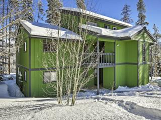 New Listing! Alluring 2BR Winter Park Condo w/Additional Sleeping Loft, Wifi, Private Patio & Magnificent Mountain Views - Just 1 Mile from Downtown! Ideally Situated for Outdoor Recreation!