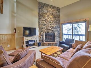 Winter Park Condo w/Sauna Near Skiing & Hiking!