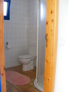 Bathroom with shower - Bad mit Dusche - Baño con ducha
