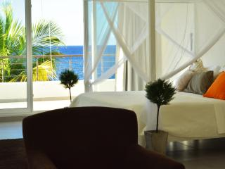 Infiiniti Blu Oceanfront Four Bedroom Penthouse