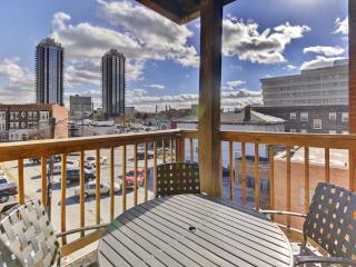 Historic 2BR Indianapolis Condo w/Private Balcony