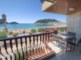 Luxury 1st  line of La Concha beach +PARKING+WIFI, San Sebastian - Donostia