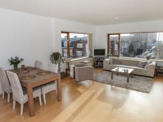 Topfloor apartment close to all amenities, The Hague