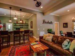 Beautiful 3BR Victorian home in heart of Nashville
