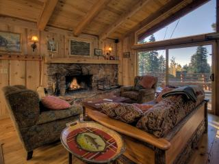 Tash Luxury Lake View Vacation Cabin - Hot Tub, Lake Tahoe (California)