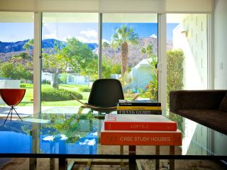 Stylish, Re-designed Mid-century Modern Canyon, Palm Springs