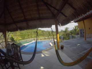 Burros Surf House, Punta de Mita