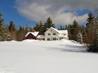 Beautiful New Country Retreat 2.5 miles, Stratton Mountain