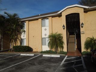 1877 Toucan Way #402, Sarasota