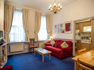 A comfortable one-bedroom flat in the City., Londres